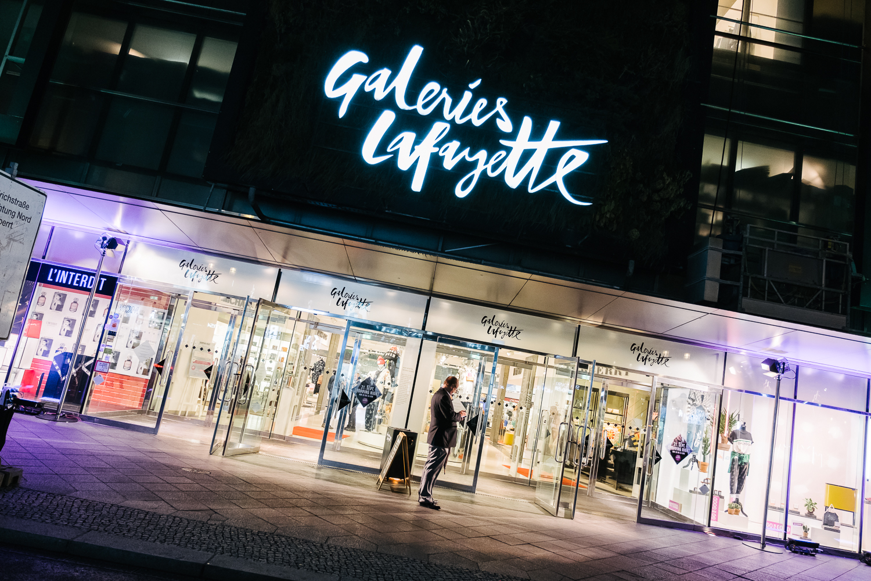 Galeries Lafayette Berlin Shopping Night Klara Yoon